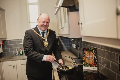 Lord Mayor launches the family recipe book