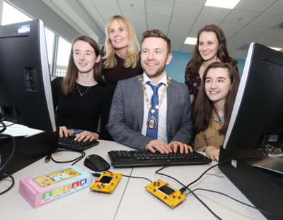 Deputy Lord Mayor meets young women on course for careers in IT industry